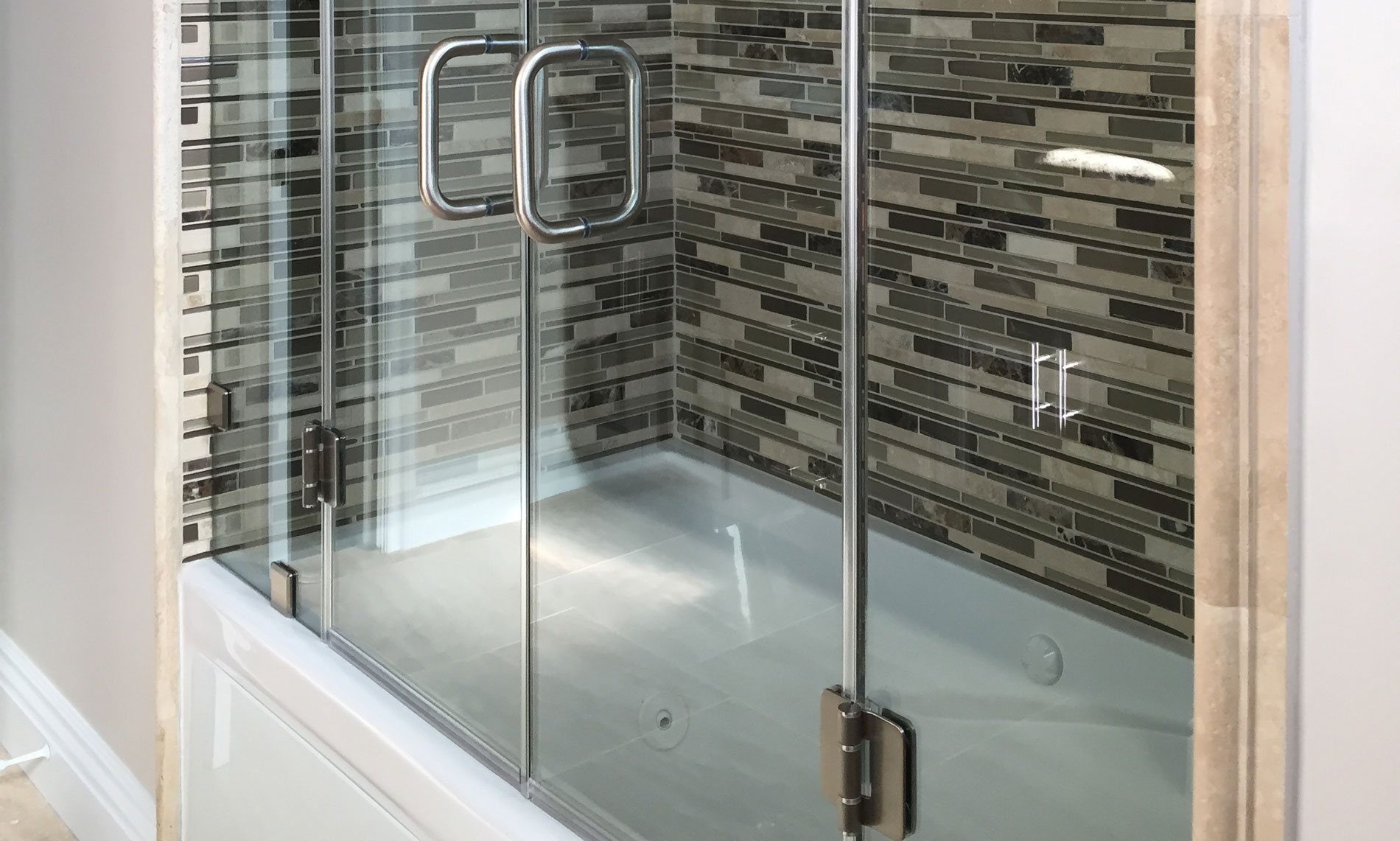 California Frameless Shower Door & Enclosures Los Angeles